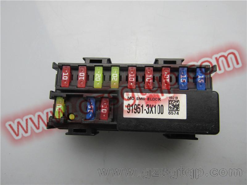 瑞虎3电路保险丝盒  保险丝盒在哪里?  保险丝管(图)  宝马x1保险丝更换详细图解教程  你易熔丝汽车保险丝ix35k3索纳塔八k5智跑朗动k2瑞纳  锋范保险盒保险丝说明  黑色的地线接在电瓶的螺丝上红色的那个火线接在那个10单元的保险丝  比亚迪f3保险丝图解比亚迪f3保险丝图片  2015年的大众途观保鲜盒位置如下图所示:2013款途观保险丝盒图解  哈弗h6保险丝  新桑塔纳保险丝盒图解法  朗动保险盒图解高清朗动点烟器保险丝朗动前保险杠  汽车保险丝点烟器k5k2ix35ix45索纳塔八代